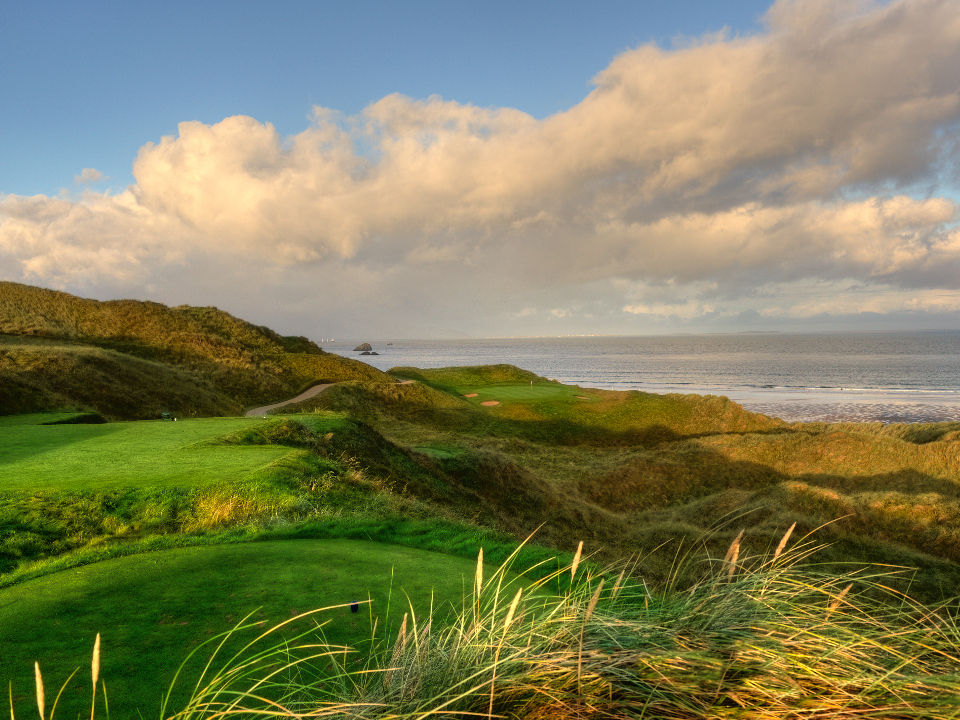 Tralee Golf Course overlooking the sea
