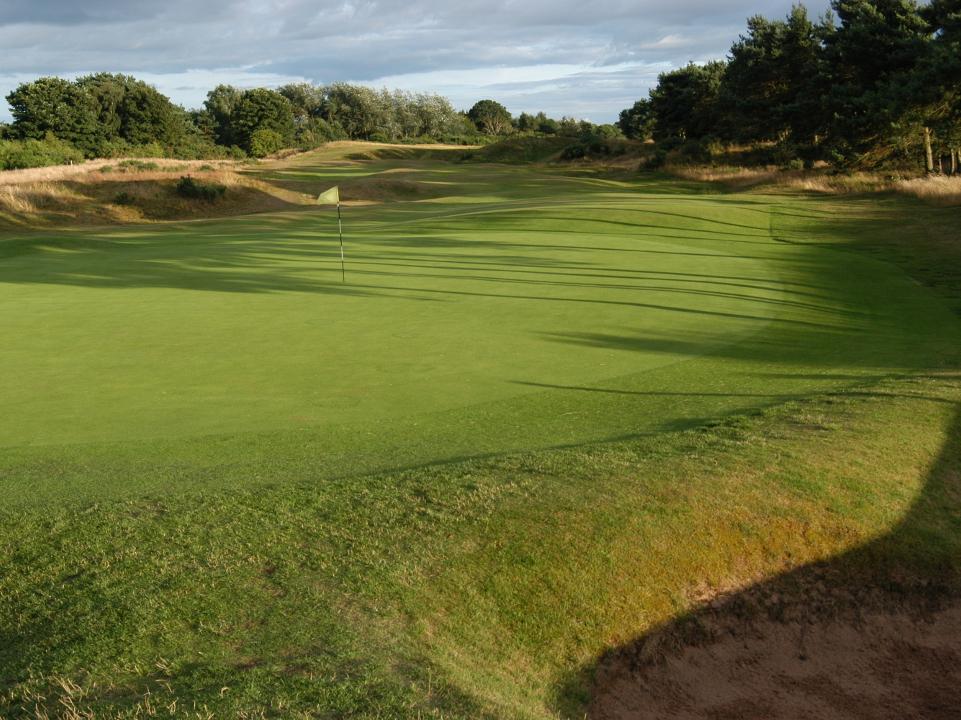 Play Scotscraig golf course near St. Andrews, Scotland